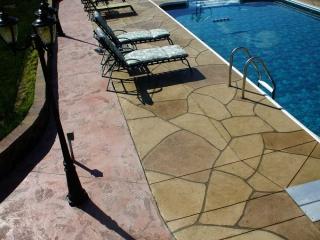 Grand Flagstone Concrete Pool   Wapakoneta Ohio